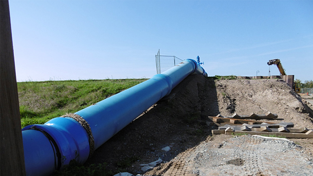 Temporary pipeline between the Canitz waterworks and the pipe bridge